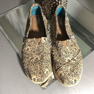 TOMS Womens Floral shoes  Classic Espadrilles